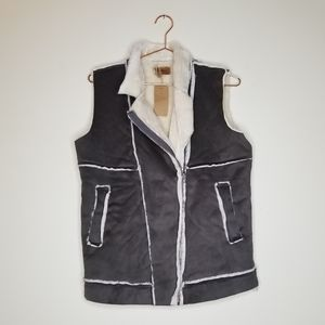 New! Pol》 Gray Faux Suede Sherpa lined Vest